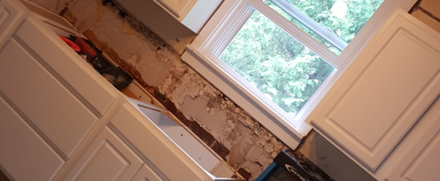 They have since put up new drywall on the ceiling and started to smooth out the existing walls. But otherwise it's nothing but behind the walls work that has slowed them down and halted visible progress. Ahhhh, finish my kitchen please!